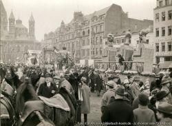 Köln, Neumarkt, jaren '20, tijdens de voorbereiding van het Carnaval