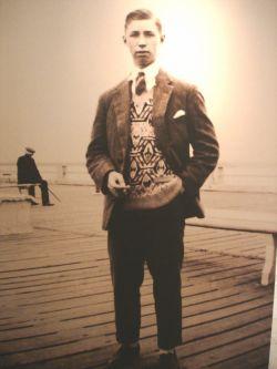 de jonge Hergé in Oostende (vast zomerverblijf van het gezin)