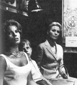 Ingrid Thulin en Gunnel Lindblom in De Grote Stilte van Bergman (1963)