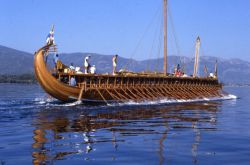 de Olympias, de nagebouwde trireme bij Piraeus